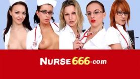 Enfermera traviesa jugando doloroso masaje