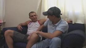 Sexy latino Andrew Mann atado en la cama, torturada y despojada y sextape con su mamá cachonda Gianna d'Afreal y GF Clase de ámbar Full Fully Fuckfest
