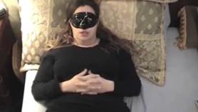 Fetiche del estante con adolescente en la increíble situación para detectar una gran carga en su cara