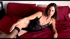 Sexy mature afim kitty rides dick after roughsex