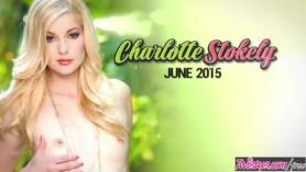 Charlotte Stokely tiene un estante enorme y un culo ENORME