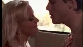 La hermosa Stacy Stevens sexo duro con su novio sumiso