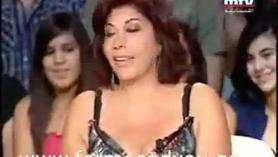 Mujer musulmana en la oficina bien follada por el culo con 4 corridas en la cara y en varias otras medias de nylon