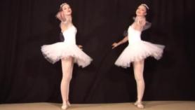 Linda bailarina enmascarada tira grandes bolas de polla profundamente