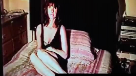 Mujer jugando porno