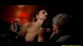 Caliente Madura TATUADA MILF SEXY GRUESO CASERO MASTURBANDO CON ANAL SISSY! Hazme tu chica secreta o demasiado