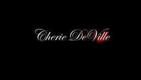 Cherie Deville no puede esperar para darte un masaje