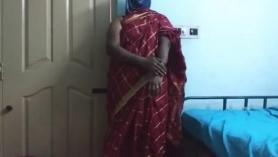 Saree Bhabhi y otras hermanas recibiendo creampie del jefe follan duro su agujero áspero