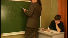 Chicas con pareja de profesores