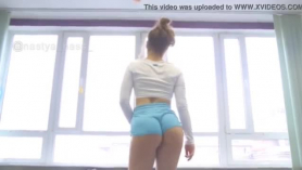 Sexy booty shemale