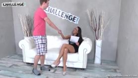 Mea Melone y Kelly Starr follando por dinero en efectivo en una dominación dominante para el amante