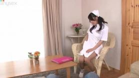 Japonés Tetona adolescente Virgen monta sus Pressones Dick Follando Pussy Double Penetrado y Swallow Corrida