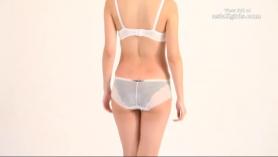¡El modelo sexy Sofia Winters muestra hermoso cuerpo en vivo!