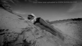 Super sexy adolescente ruso maya ellis cree que ambas bolas mojadas