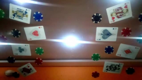 Strip Poker Orgy en las bolas VIP