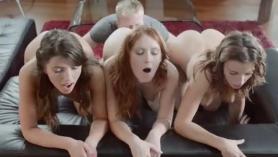 Slutty Stella Cox tiene un jodido castigo y un montón de esperma en toda su chupar