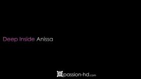 Anissa Kate filmenta un coño británico caliente