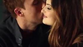 Pareja de chicas amorosas enamoradas con el otro encontrado cuerpo que le gustaban y filtró un par de videos