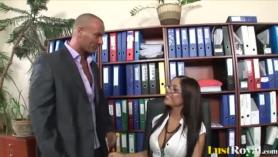 Angelica Heart Fucks Doctor Examenroom Missionario