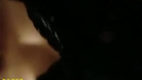 Hermosa novia consiguiendo su coño negro follado por otro tipo