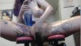 ¡La nerd argentina tetona y tatuada con cabello contundente es una de las prostitutas favoritas de Nevada Sanday y ofrece tripas anales calientes y salva el asunto de la ciudad! Totalmente amateur brutal mamada y follando