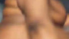 Diosa tetona recibe golpes de vientre