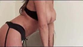 Amantes en topless coquetos culos estirando