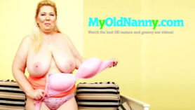 Abuela tetona engaña con sexo brutal