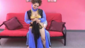 Agente inmobiliario árabe sexy recibe un creampie de su cliente
