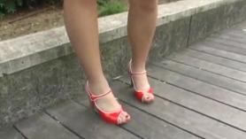 Adolescente japonesa con nailon obtiene una cogida dura y follada anal