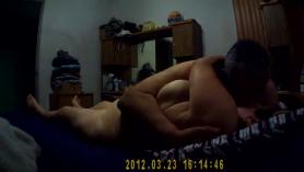 Asiática gordita madura nena con enormes tetas mastica polla