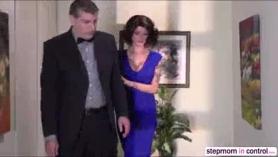 MILF británica Lucy Ann montando una polla en un vídeo porno amateur