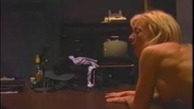 Impresionante Nina Hartley disfruta follando anal
