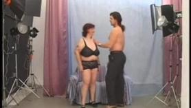 Italiana madura punk rusa Demona Colucci quiere jugar con su coño pobre porno