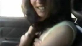 Dulce adolescente disfrutó cabalgando una gran polla venosa