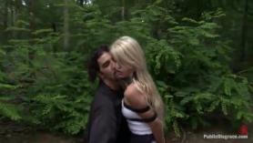 Abuelita en el bosque chico de sexo en el hotel del parque