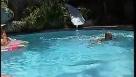 Increíble mamada junto a la piscina y follada dura!