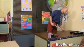 Porno con maestas gays