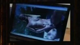 Rubia en traje rubio en lencería sexy en webcam