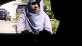Desi Muslim Bbw jugando con sus pies, muy sexy.