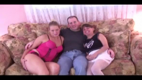 Lucky dude gives sloppy girlfriend riding lessons