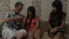 Wam Asiática Stripper follada terapeuta