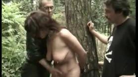 Látex femdom coño arando y cara batida cuckolder melbian trio