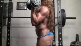 Female bodybuilder gives head and takes a huge cumshot in her mouth