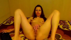 Experienced brunette with a big, round ass is sucking cock every time she gets horny