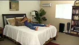 Las estrellas porno de Kinky, Bree Olson y Lilli Oneil están haciendo un video porno, solo por diversión