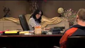 Secretaria cachonda y su jefe están teniendo un asunto de sexo salvaje, como nunca antes