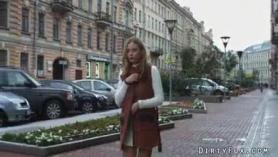 Nena sensual con tetas grandes, Ángel Wicky y su nuevo marido tienen relaciones sexuales frente a la cámara.
