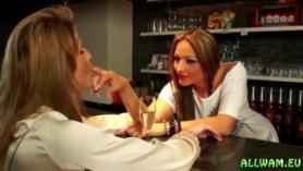 Las chicas lesbianas Kinky están haciendo nuevos videos de lesbianas porque son conscientes de cuánto divertido es