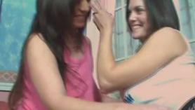 Babes lesbianas tetona haciendo el amor